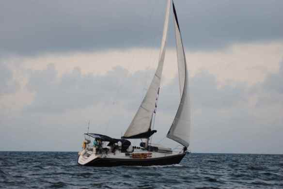 Truansea sailing to the Abacos.