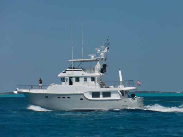 Valkyrie cruising to Shroud Cay.